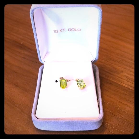 Jewelry - Peridot earrings